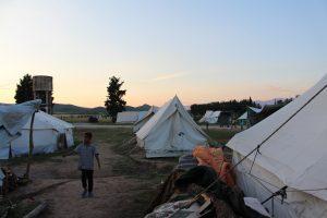 Perspektivloser Alltag im Militärcamp Cherso: Kinder können seit Monaten keine Schule besuchen. (Foto von Clara Graulich)